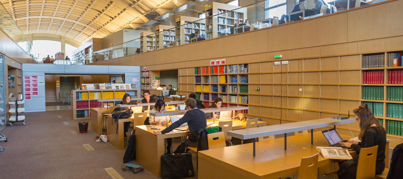 Vue intérieure de l'Ecole Nationale Supérieure d'Architecture Paris Val de Seine